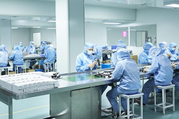 eyeshadow manufacturer