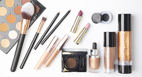CREATE YOUR OWN COSMETIC LINE