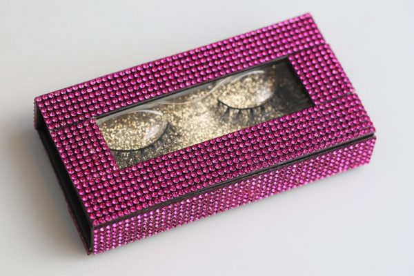 glitter on lash box